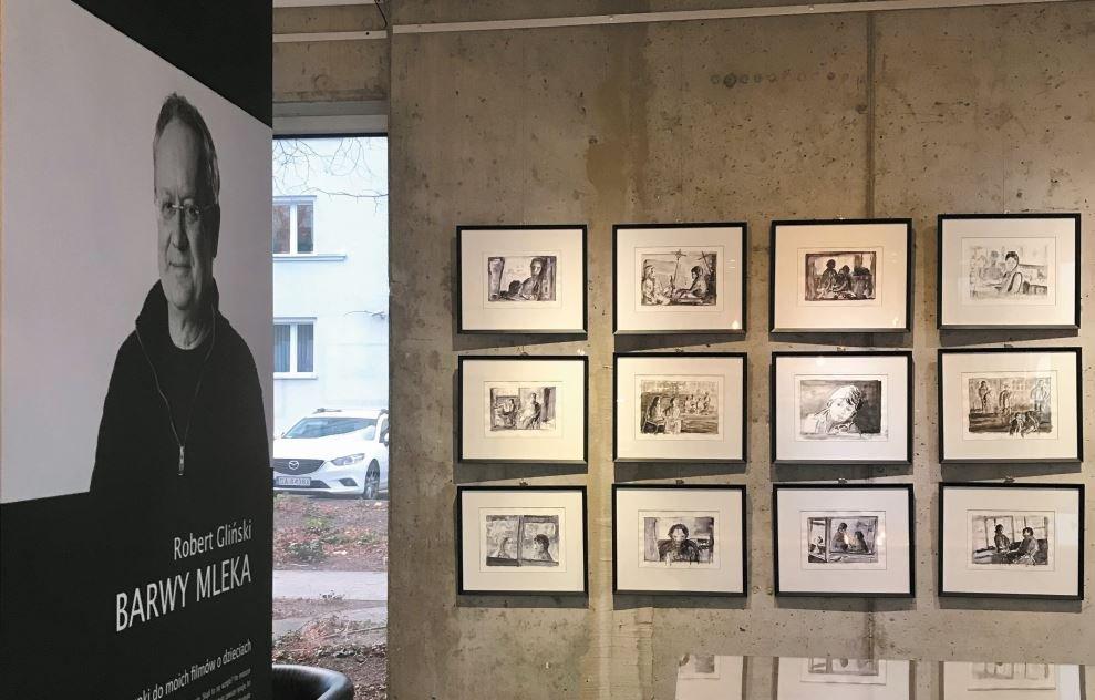 """""""Barwy Mleka. Rysunki do moich filmów o dzieciach"""". Wystawa Roberta Glińskiego w Galerii Gdyńskiego Centrum Filmowego"""